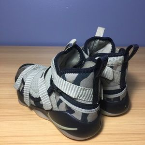 d60276bbe4f Nike Shoes - Nike LeBron Soldier 11 FlyEase Came Kids 2Y